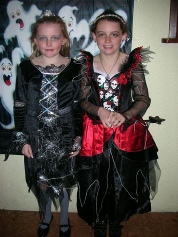 aoife-and-roisin-duggan-mc-sweeney-scary-witches-at-cappagh-community-games-halloween-party-2008