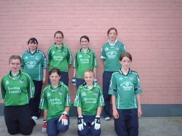 cappagh-girls-handball-team-at-the-handball-munster-finals-2005