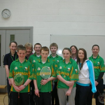 cappagh-u15-badminton-team-munster-finalists-2009-with-trainers-anita-and-denise-lyons